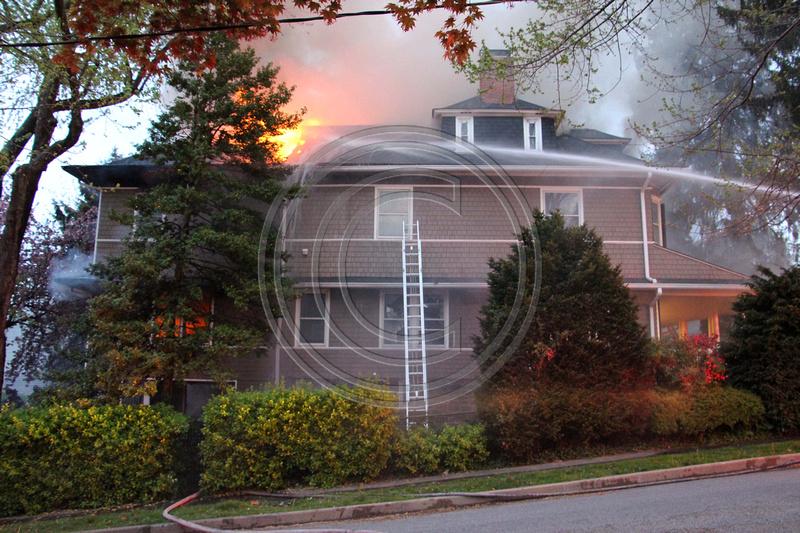 Photoguykurt 4 22 2016 2nd Alarm Dwelling Fire 100 Blk